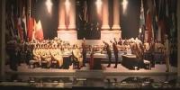 1945年的8月15日,日本天皇向全国广播《终战诏书》,宣布向同盟国无条件投降。这一天中国抗战胜利,东北光复。硝烟已经散尽,但历史不容忘却,伪满皇宫博物院作为全国爱国主义教育示范基地,在每年的8月15号,都会组织爱国主义教育活动。 - News.365Jilin.Com