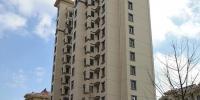 死者纪尚(化名)的家位于青岛城阳区仲村社区一栋14层的安置房。澎湃新闻记者 朱远祥 图 - 新浪吉林