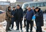 省地税局领导走访慰问包保贫困户 - 地方税务局